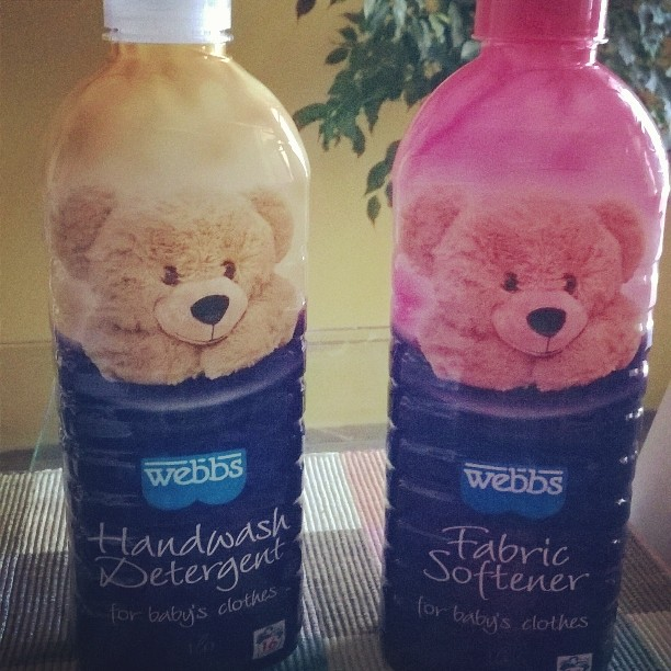 I have started unwrapping and washing the baby's clothes, linen and blankets in preparation for the little one. I absolutely love these Webbs products - their smell is purely baby-in-a-bottle!!